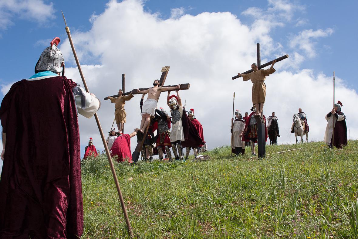 Viernes Santo. 'VÍA CRUCIS'  VIVIENTE del CERRO DE REYES.